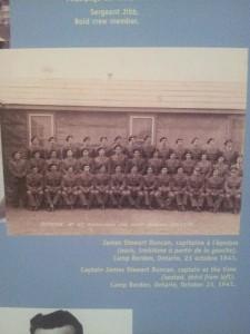 Une photo des soldats qui ont été entraîner à Camp Borden, une base militaire où j'ai travaillé quand j'étais à l'école secondaire.