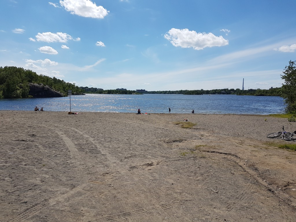 How many Canadian university campuses have their own beach?